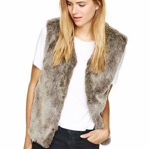Aritzia Talulah Faux Fur Vest XXS